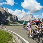 Cyclists climbing the Gardena Pass during the Maratona dles Dolomites