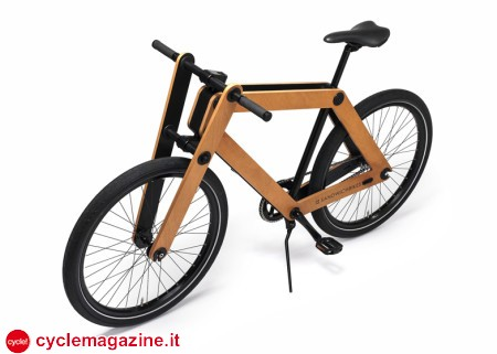 Sandwichbike-by-Pedal-Factory_dezeen_ss_11